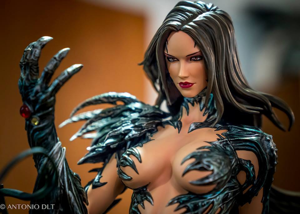 Premium Collectibles : Witchblade - Page 4 4enk85
