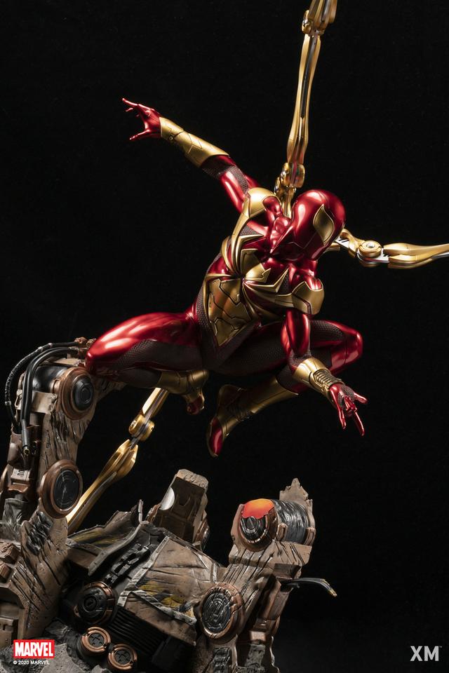 Premium Collectibles : Iron-spiderman** 4h8j1c
