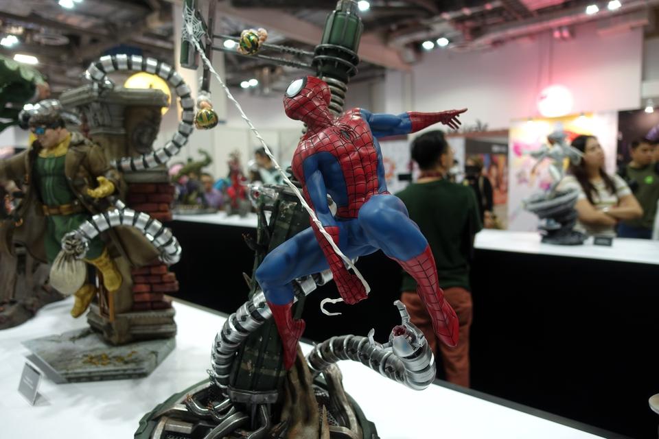 Premium Collectibles : Spiderman** 4kferv