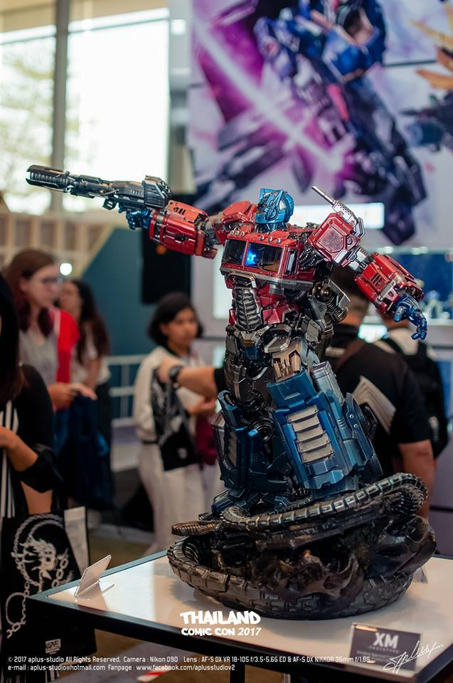 Premium Collectibles : Transformers - Optimus Prime (G1) 4mpvdtllln