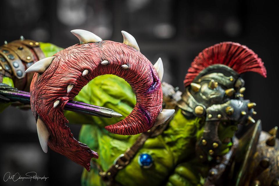 Premium Collectibles : Planet Hulk / King Hulk** 4tbkks