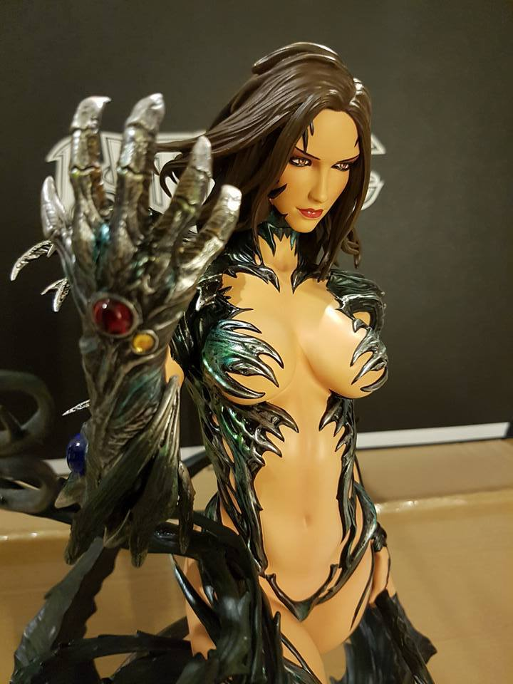Premium Collectibles : Witchblade - Page 4 4uyjn6
