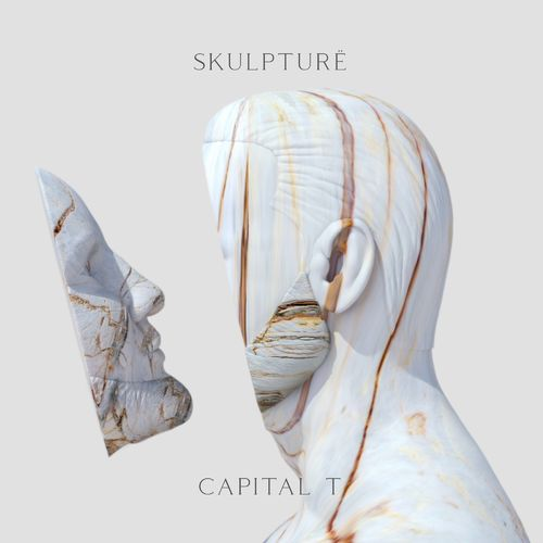 Capital T - Skulpturë (2020)
