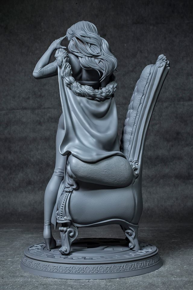 Premium Collectibles : Emma Frost 50402471_221329887888w7kmt