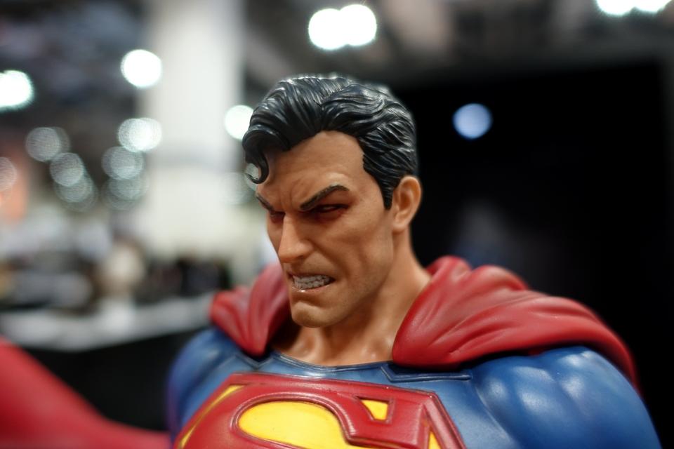 Premium Collectibles : JLA Superman 1/6**   51rbj7b
