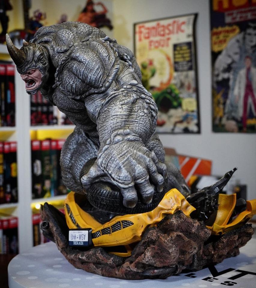 Premium Collectibles : Rhino** 51uksd
