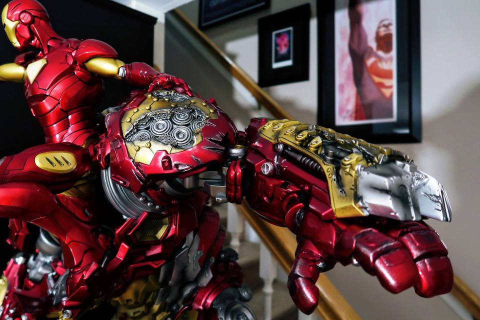 Premium collectibles : Hulkbuster** - Page 3 53095730_10102214272284kg1