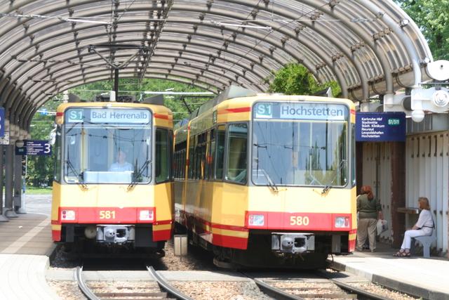 581 + 580 Karlsruhe Albtalbf