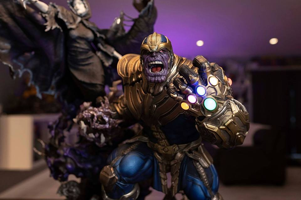 Premium Collectibles : Thanos and Lady Death 584kon