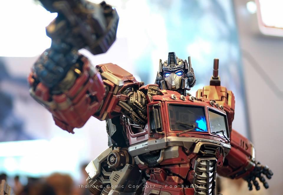 Premium Collectibles : Transformers - Optimus Prime (G1) 58jsme