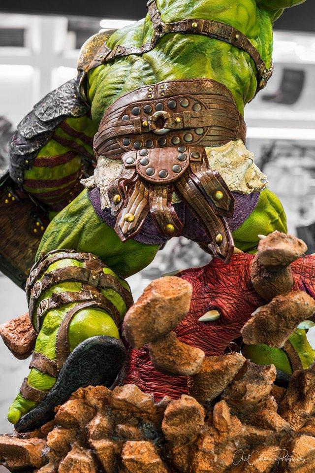 Premium Collectibles : Planet Hulk / King Hulk** 5bjjxo
