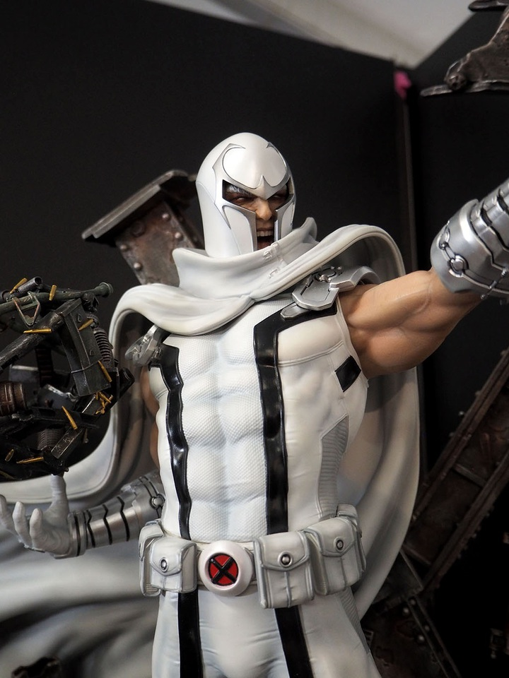Premium Collectibles : Magneto White Version 5cdslk