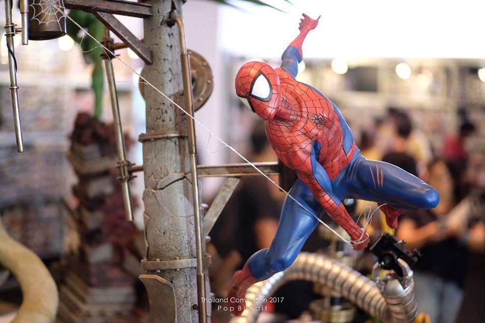 Premium Collectibles : Spiderman** 5f7uyo
