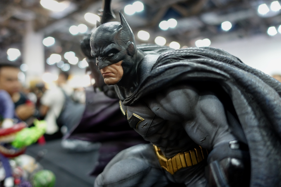 Premium Collectibles : JLA Batman 1/6**   5fxjhr