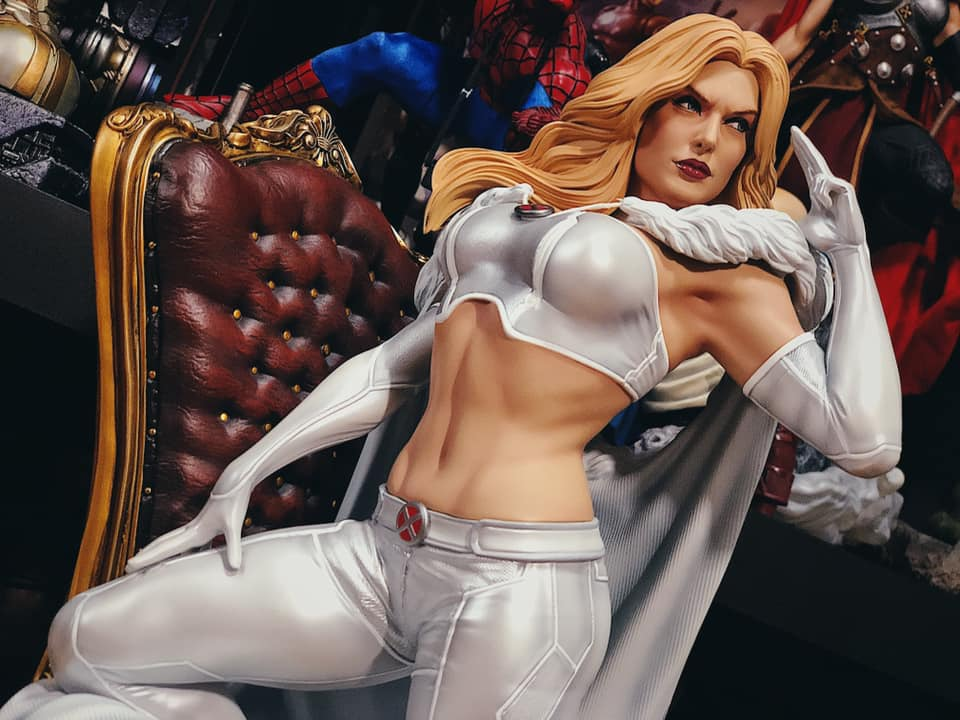 Premium Collectibles : Emma Frost 5jek6d