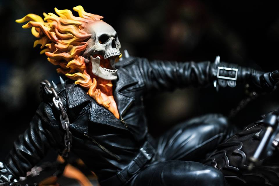 Premium Collectibles : Ghost Rider - Page 6 5qds7x