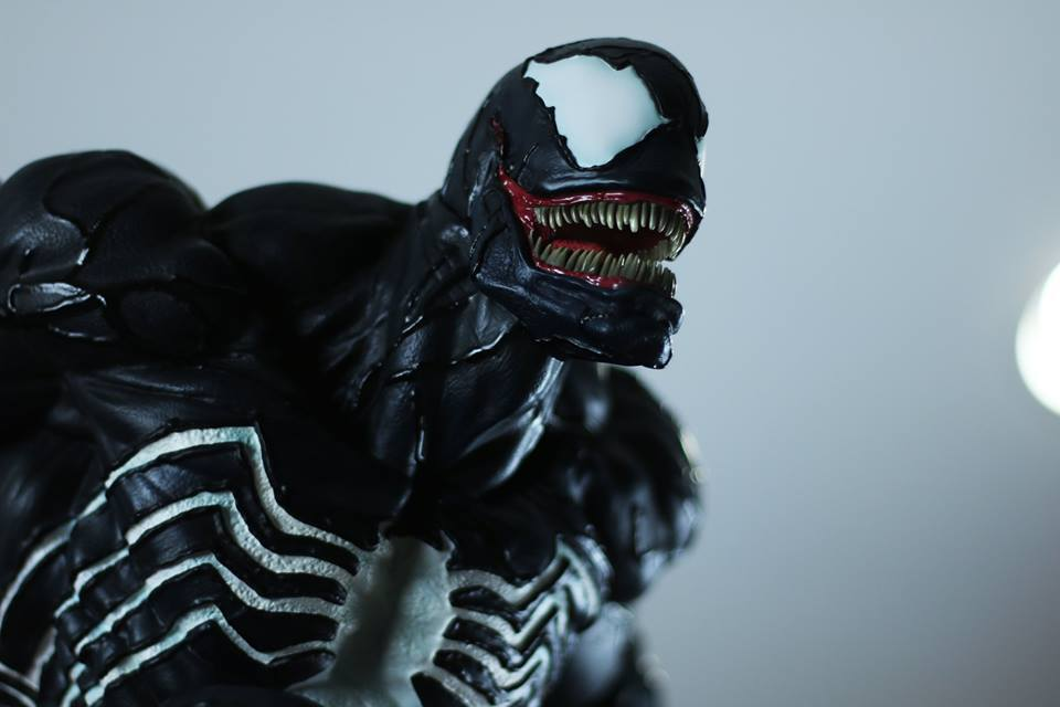 Premium Collectibles : Venom - Comics Version - Page 5 5s3uqm