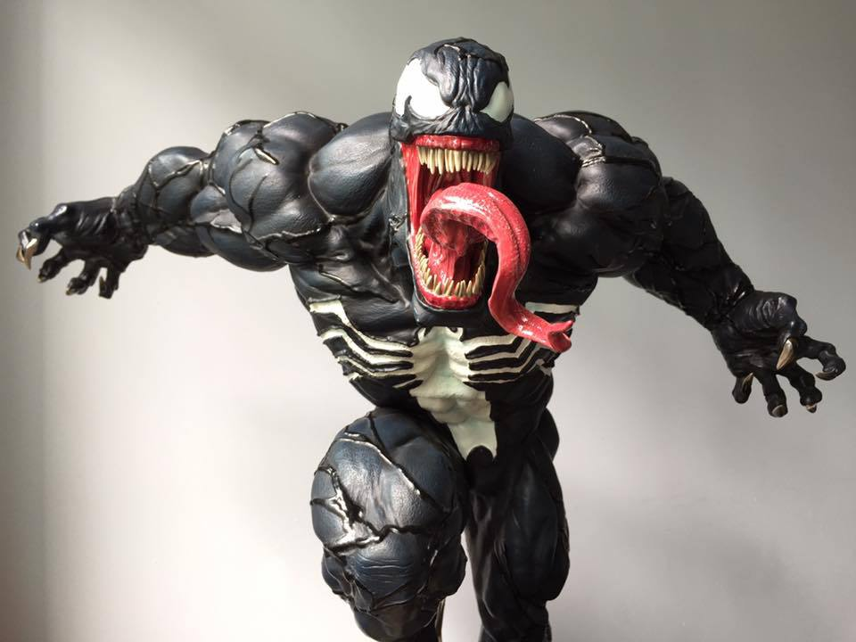 Premium Collectibles : Venom - Comics Version - Page 5 5y2uda