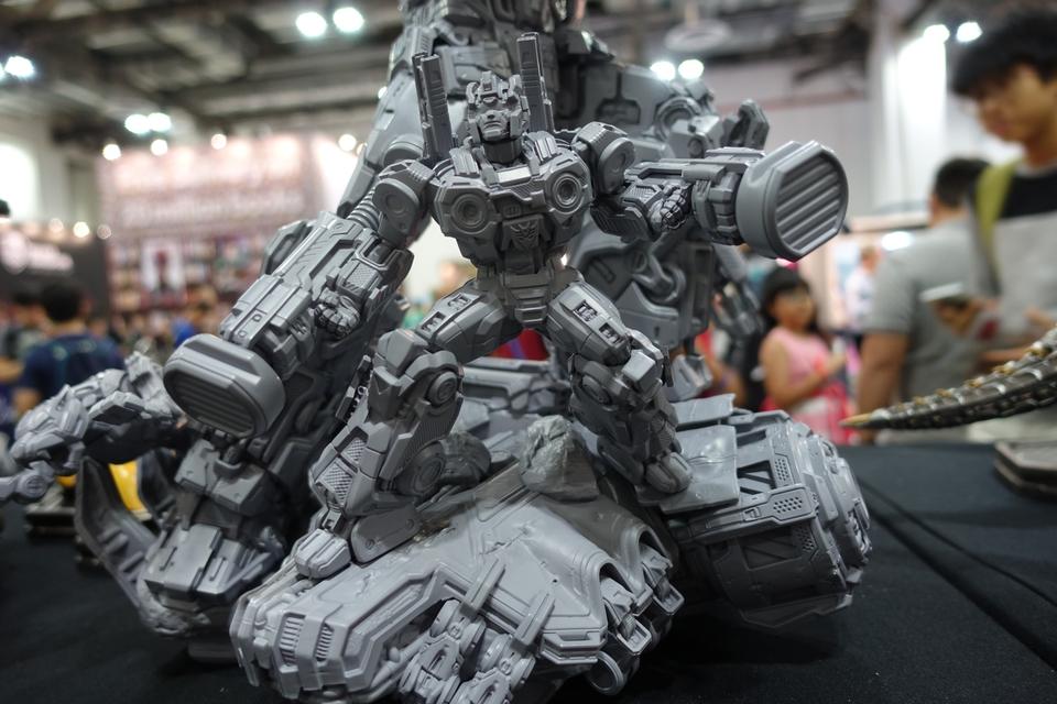 Premium Collectibles : Transformers - Soundwave (G1)  5zhkpm