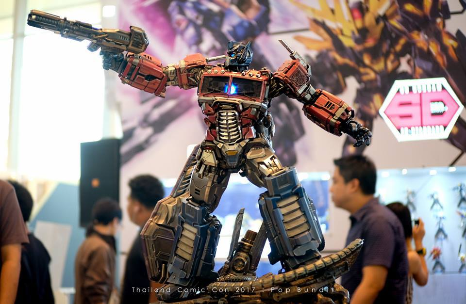 Premium Collectibles : Transformers - Optimus Prime (G1) 60is7b