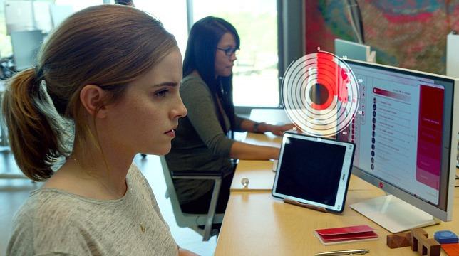 The Circle: primo trailer del film con Emma Watson e Tom Hanks