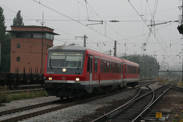 628 571-2 Einfahrt Rosenheim