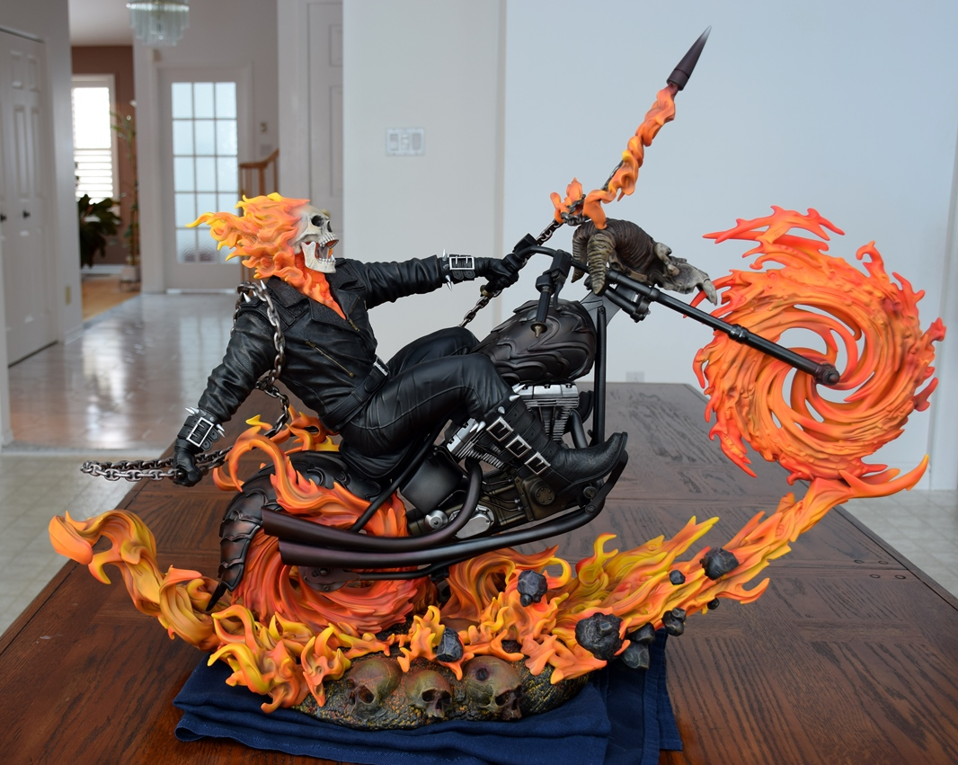 Premium Collectibles : Ghost Rider - Page 4 638us5