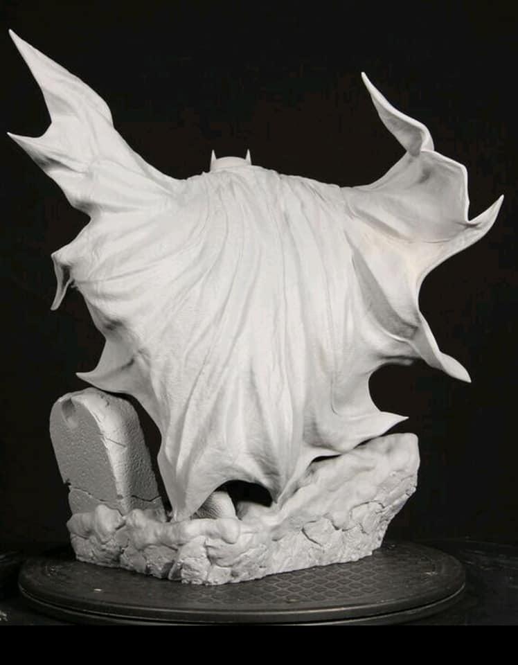 Premium Collectibles : Batman Cover Art 1/6** 64236679_2303572639858qkuh