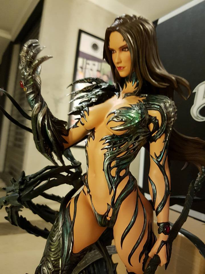 Premium Collectibles : Witchblade - Page 4 65qj2b