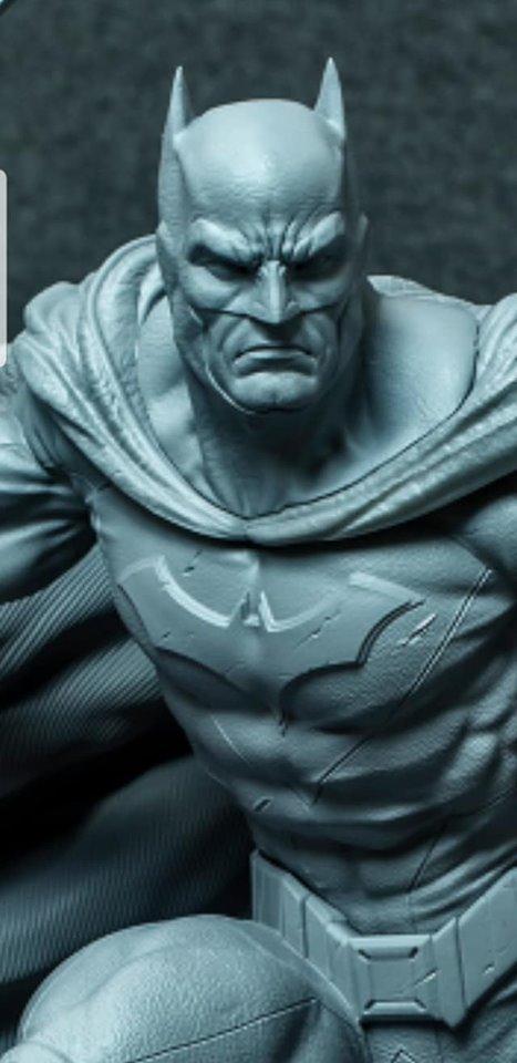 Premium Collectibles : JLA Batman 1/6**   67486623_233970331957opjdr