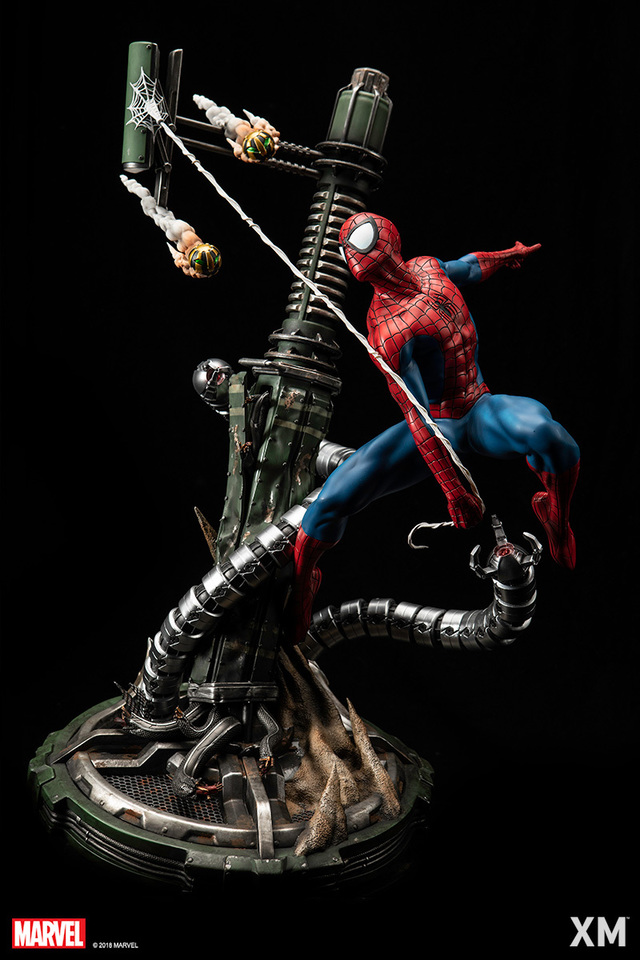 Premium Collectibles : Spiderman** 6a1f8q