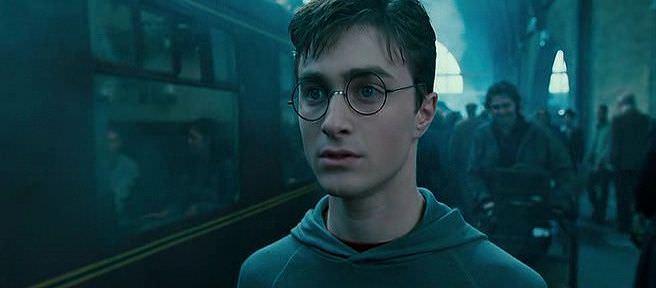Harry Potter ve Zümrüdüanka Yoldaşlığı Ekran Görüntüsü 1