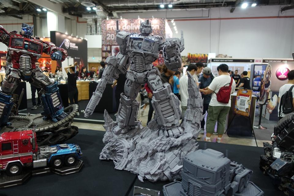 Premium Collectibles : Transformers - Nemesis Prime (G1) 6q9kob
