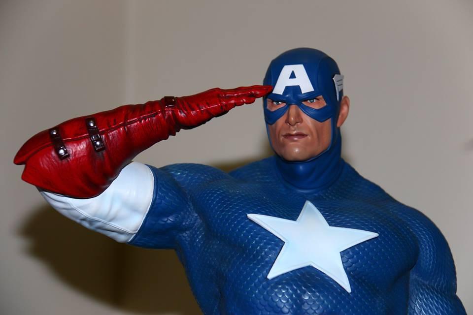 Premium Collectibles : Captain America - Sentinel of liberty - Page 4 712kxr