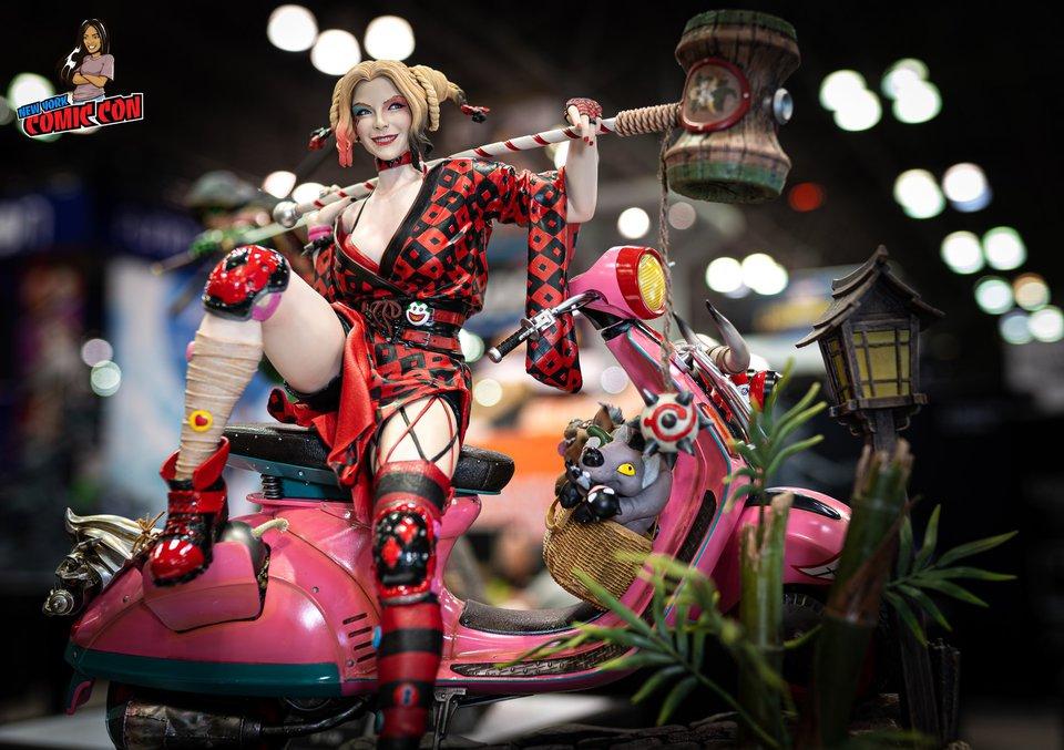 Premium collectibles : Harley Quinn** 71392609_101568681297alk7p