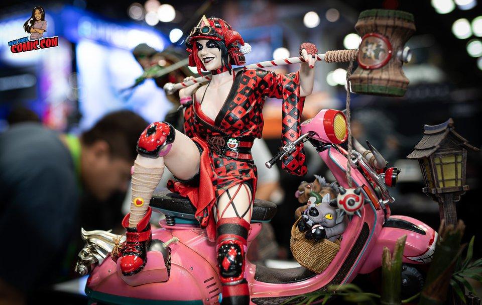 Premium collectibles : Harley Quinn** 72195775_2855517247813gkgw