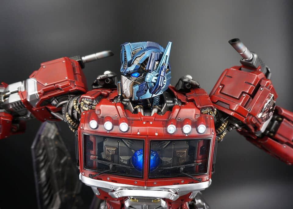 Premium Collectibles : Transformers - Optimus Prime (G1) - Page 2 72827595_1363653390458ok5i