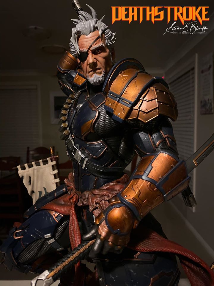 Premium Collectibles : Deathstroke** 74492028_239107385446d9ja5