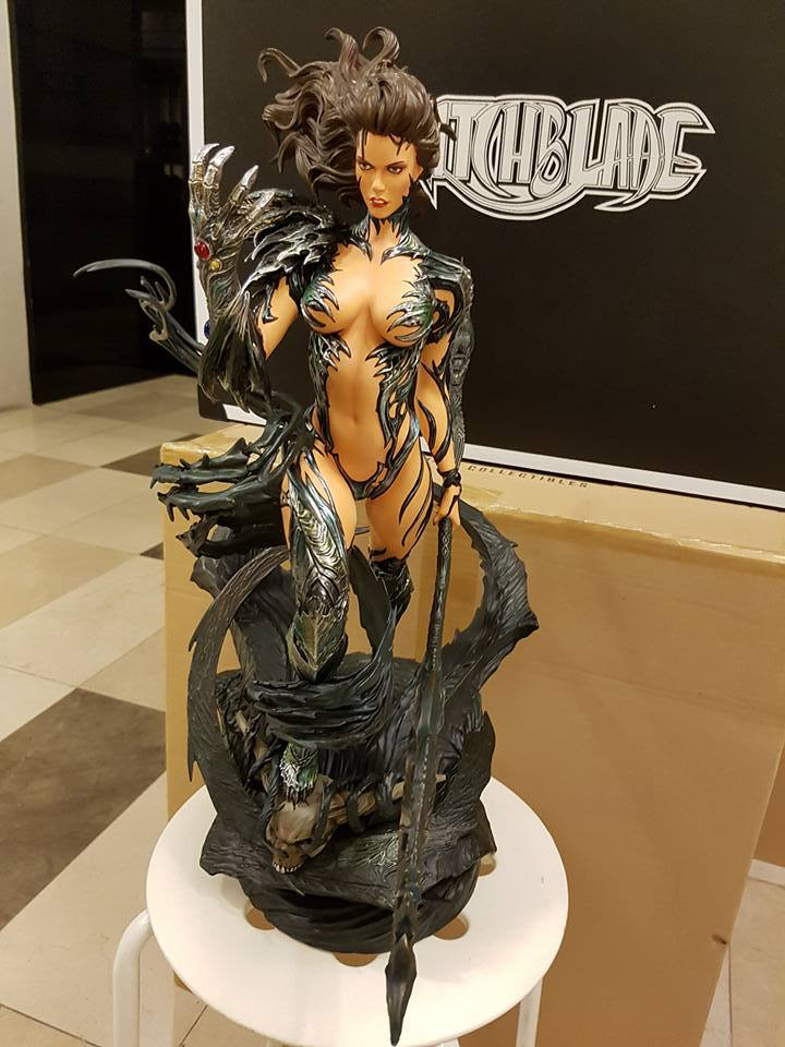 Premium Collectibles : Witchblade - Page 4 745jow