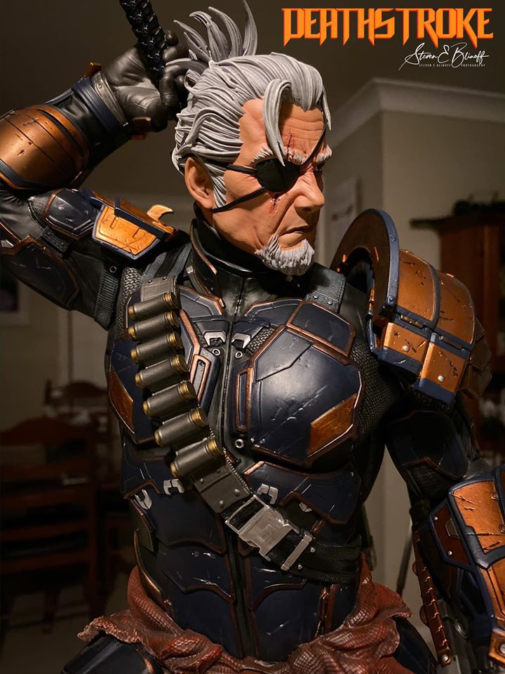 Premium Collectibles : Deathstroke** 75204658_239107376780s4jua