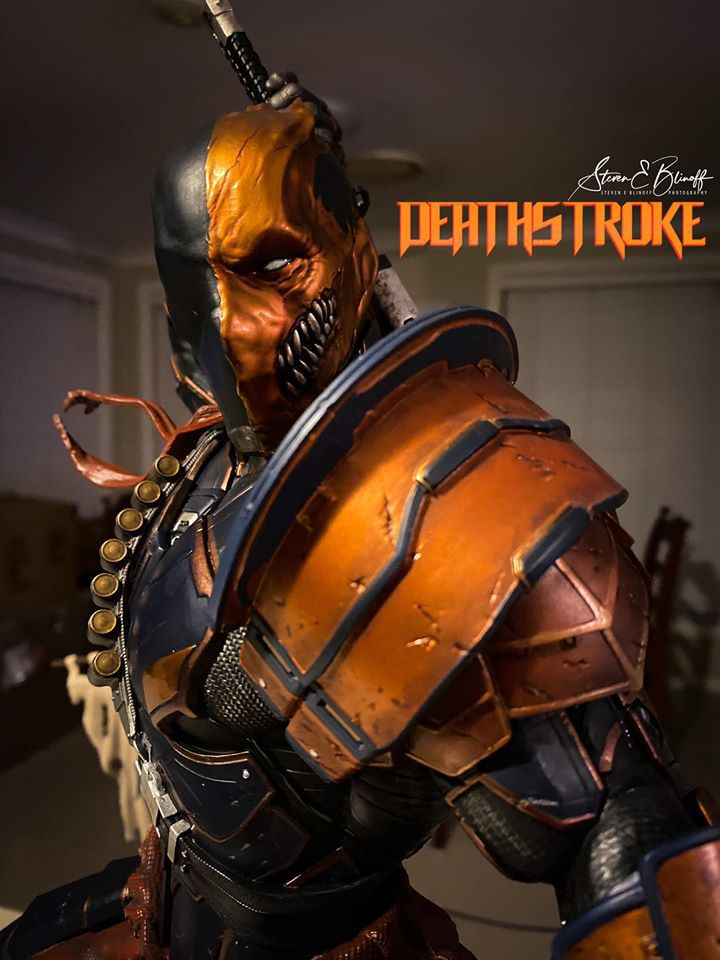 Premium Collectibles : Deathstroke** 75610876_239107406446urkxr
