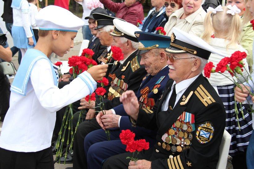 Vétéran au jour de la victoire - Page 3 75_11aikcc