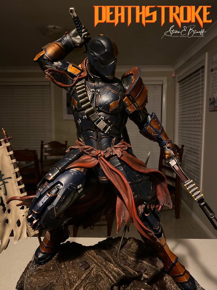 Premium Collectibles : Deathstroke** 77129198_239107361446ztj1x