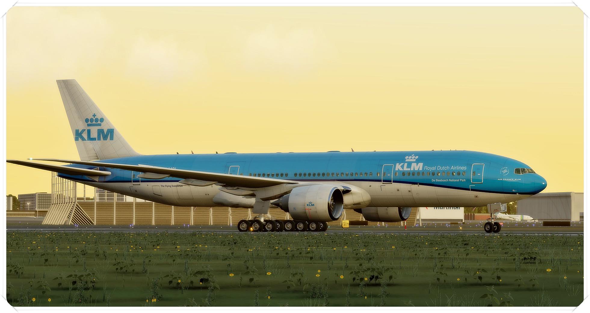 777-200lr_1wxp36.jpg