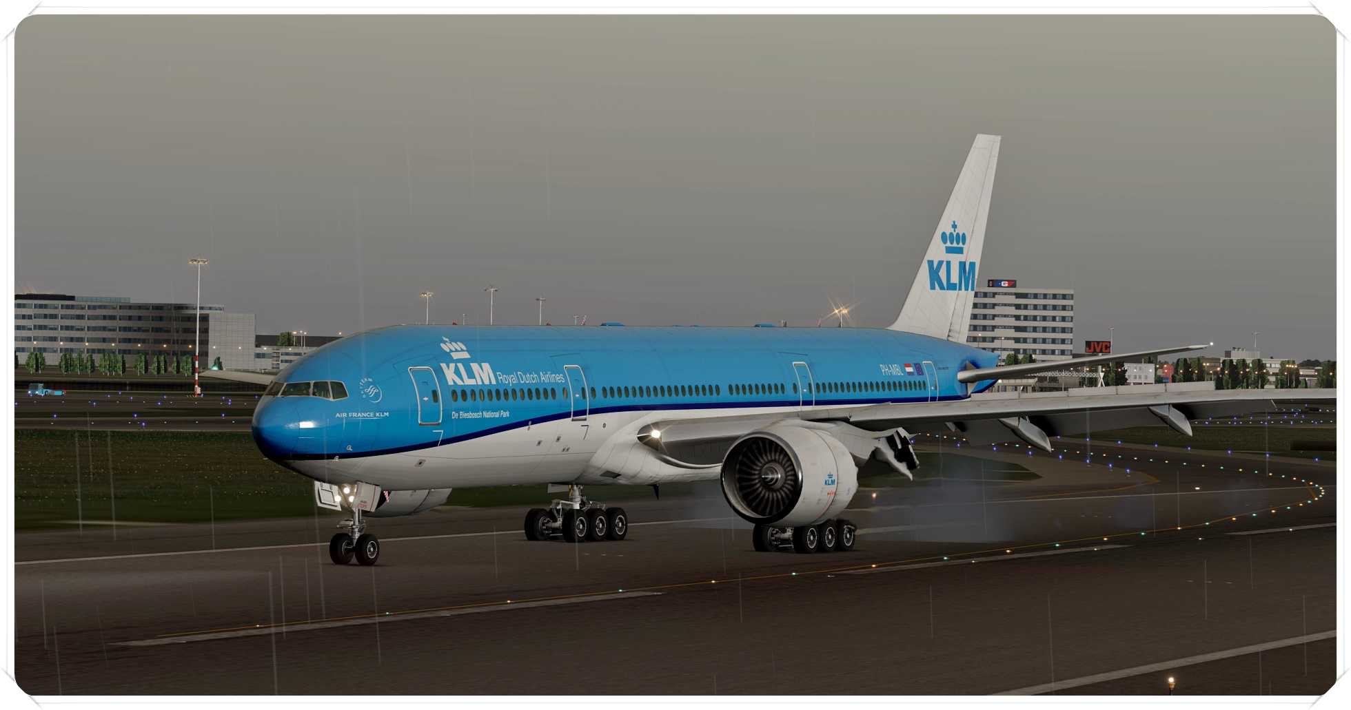 777-200lr_62jpix.jpg