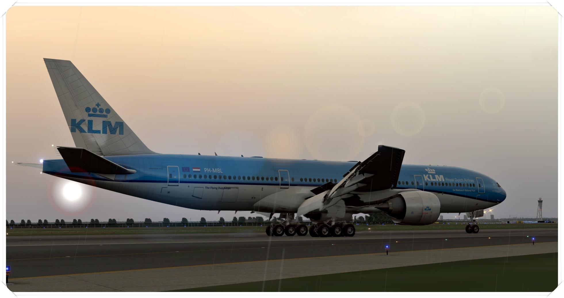 777-200lr_7gfqm9.jpg