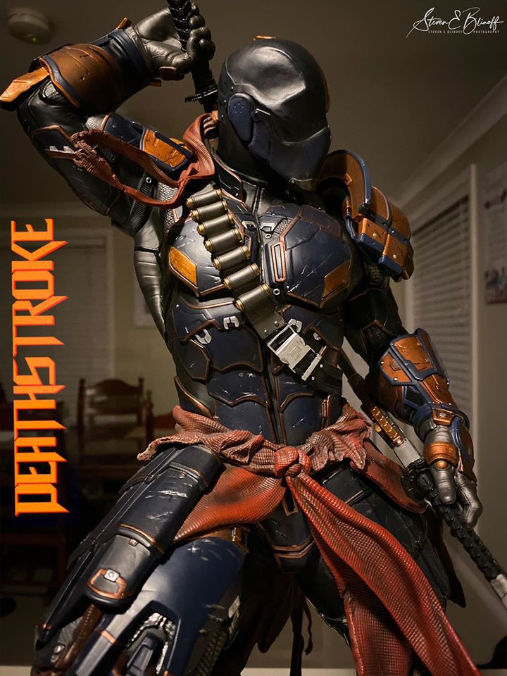 Premium Collectibles : Deathstroke** 78139487_239107393446yzke3
