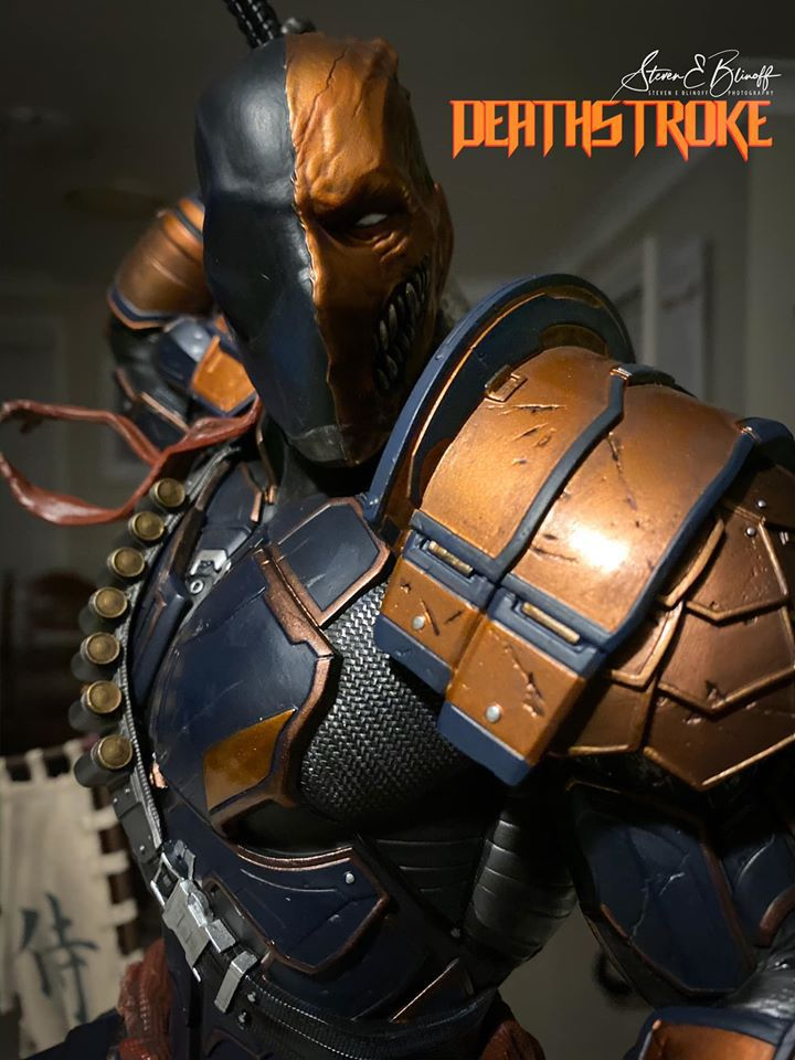 Premium Collectibles : Deathstroke** 78862355_239107391780l7kms
