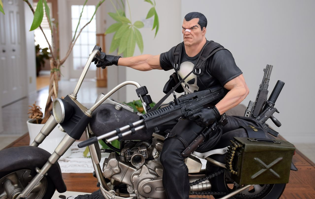 Premium Collectibles : Punisher - Page 5 79fuhs