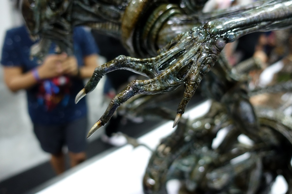 Premium Collectibles : Alien 7bcjve